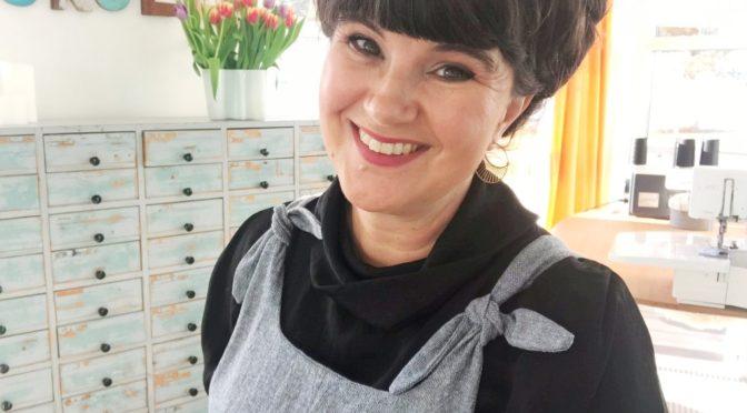 Britt-dungarees fra designer Mari Melilot