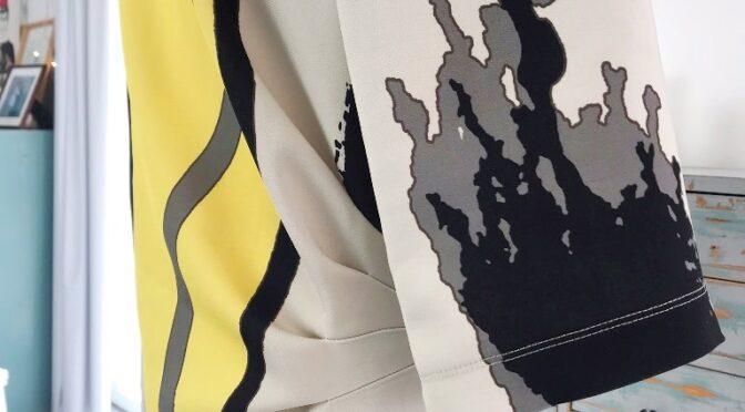 Runa – kjole med legg i siden